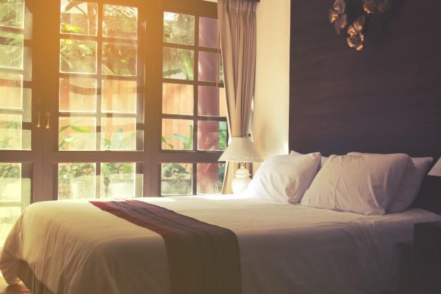 hotelowa sypialnia