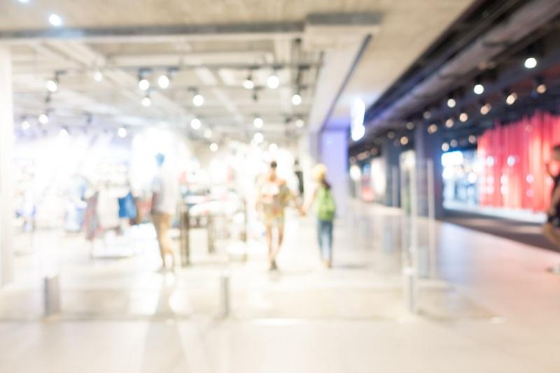 Oświetlenie obiektów handlowych – nie tylko pragmatyzm, ale